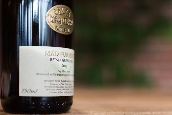 Tokaj Classic Winery Ltd Mad Furmint 2015 Sfeer